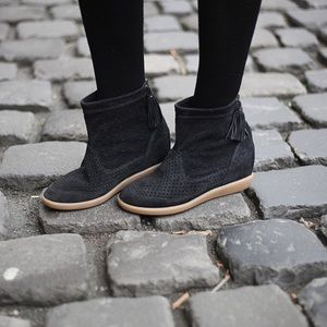 💚Isabel Marant $600 Basley wedge boots booties 37